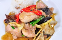 ไก่ผัดขิง Stir Fried Chicken with Ginger
